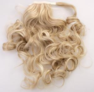 #16H613 Slingat blond - Wrap-on hästsvans lockig syntetiskt löshår